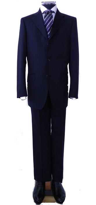 濃グレー3つボタンスーツ